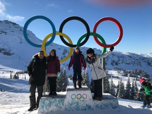 Pódio das Olimpiadas no alto de Whistler
