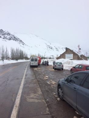 Muita neve e baixa visibilidade impediu que continuássemos a viagem